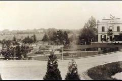 Villa Endepol aan de Berkel bij de Hoevenbrug, op de achtergrond Ampsen, foto Hendri van Zuilekom