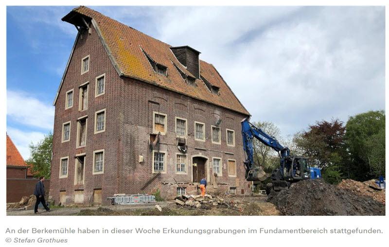 Münsterland Zeitung: Graafmachines graven bij het fundament van de Berkelmolen in Stadtlohn